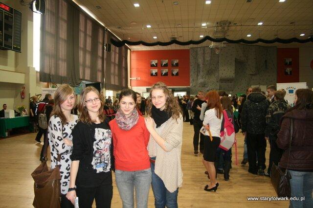Targi edukacyjne na hali OSiR w Suwałkach